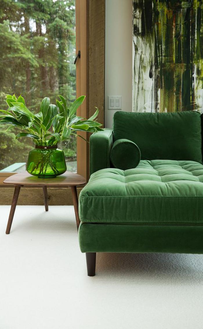 canapé-vert-vase-vert-tableau-peinture-artistique