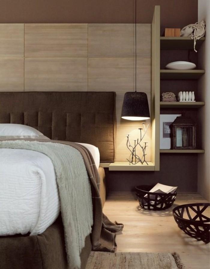 chambre-a-coucher-beige-avec-revetement-mural-en-panneaux-beiges