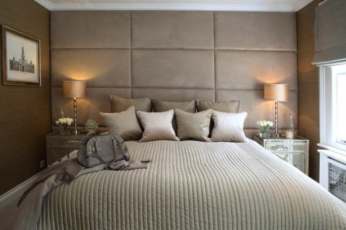 chambre-beige-decoration-murale-avec-panneaux-beiges-dans-la-chambre-a-coucher-beige