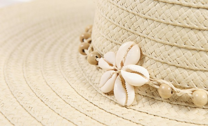 chapeau-femme-ete-coquillages-de-mer-plein-relax-resized