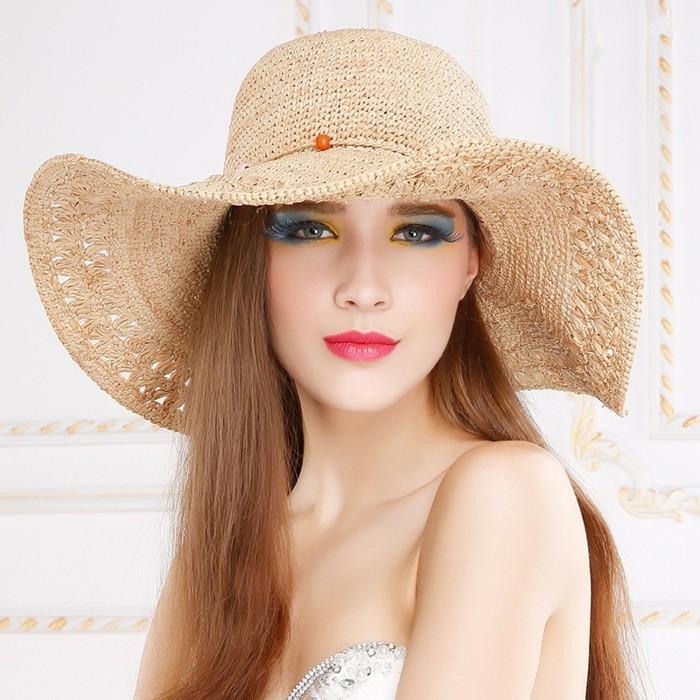 chapeau-femme-ete-femme-maquillee-effet-woaw-resized