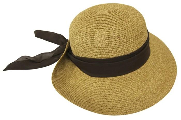 chapeau-femme-ete-petit-mais-efficace-resized
