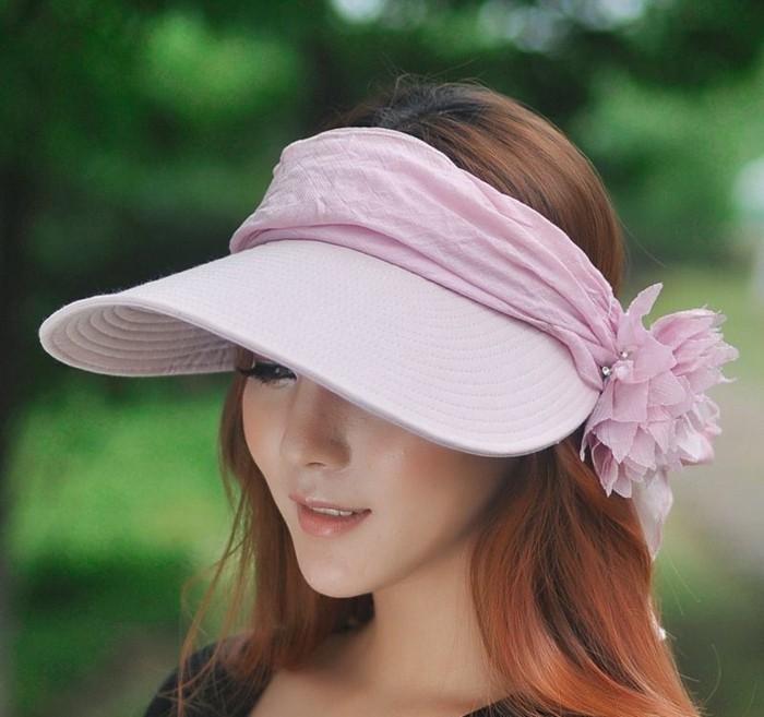 chapeau-femme-ete-vide-au-dessus-protection-contre-les-UV-resized
