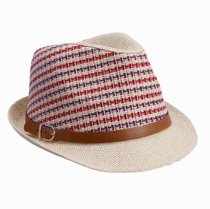 chapeau-tendance-forme-qui-s'adapte-a-toutes-les-tenues-resized