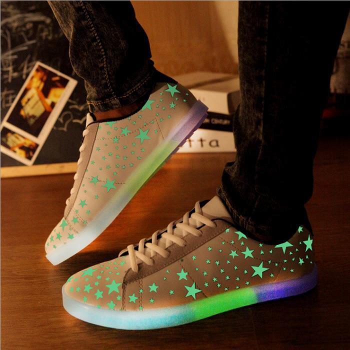 chaussures-lumineuses-beaux-sneakers-étoilés-avec-plateforme-lumineuse