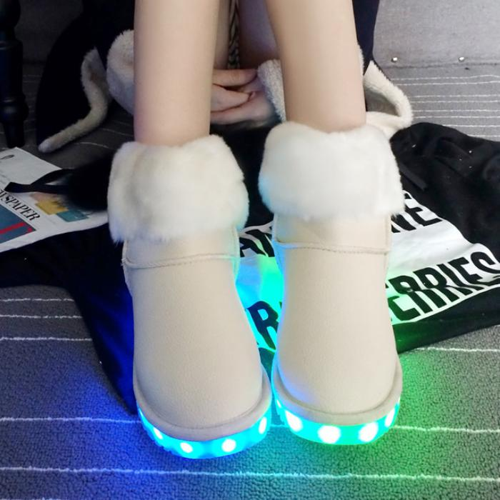 chaussures-lumineuses-bottes-lumineuses-blanches-mode-d'hiver