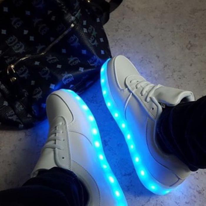 chaussures-lumineuses-chaussurees-de-sport-lumières-led