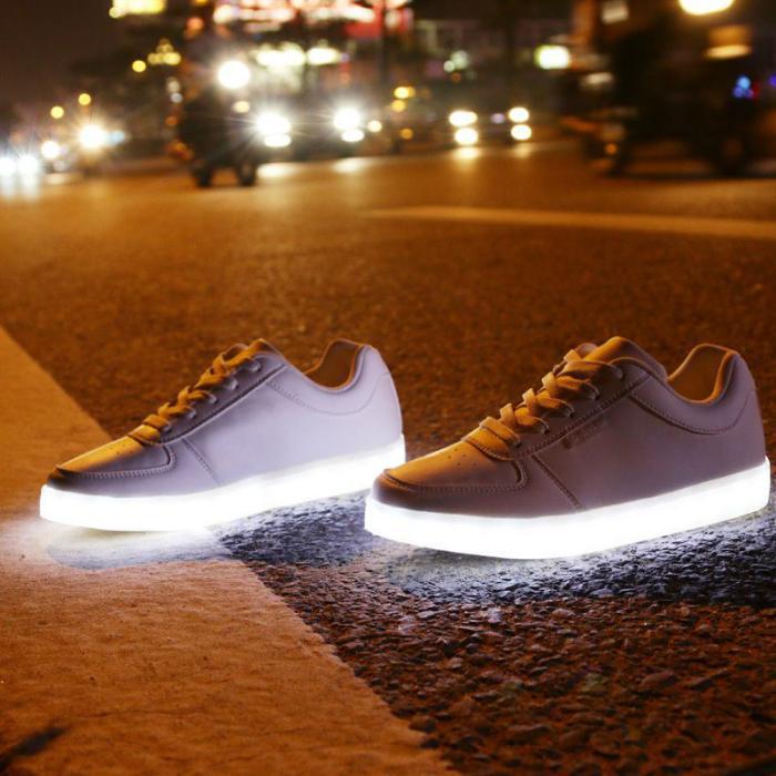 chaussures-lumineuses-chaussures-led-moderne-mode-amusante-pour-tous-les-ages