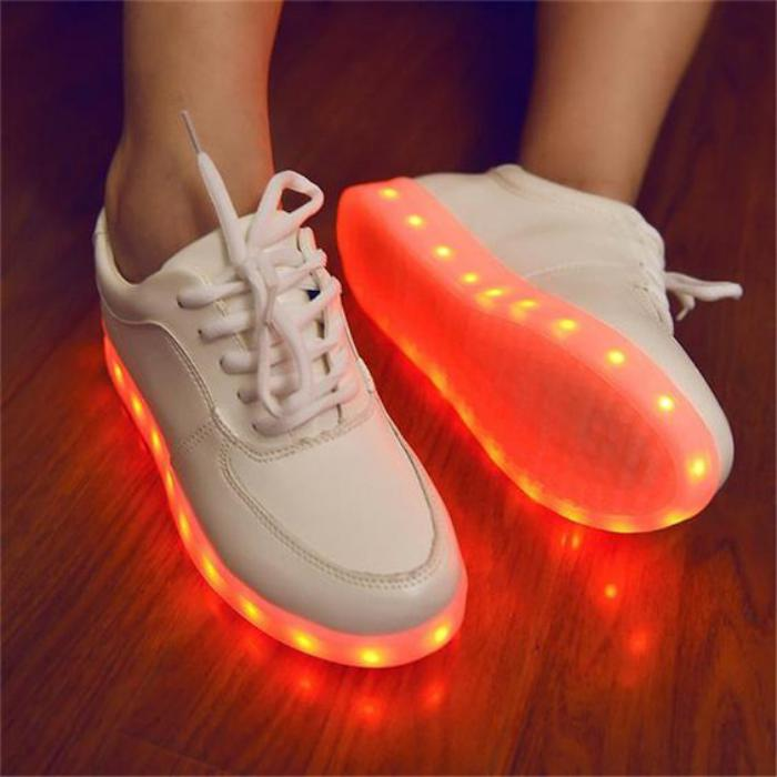 chaussures-lumineuses-chaussures-led-rechargeables-chaussures-originales
