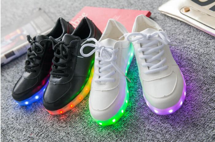 chaussures-lumineuses-chaussures-émettant-lumières-hommes-et-femmes