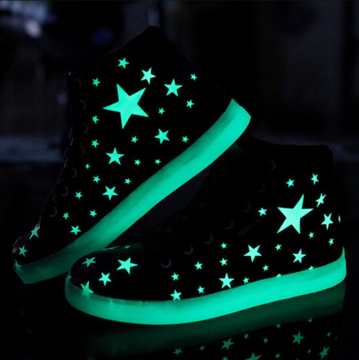 chaussures-lumineuses-fantastiques-chaussures-aux-étoiles