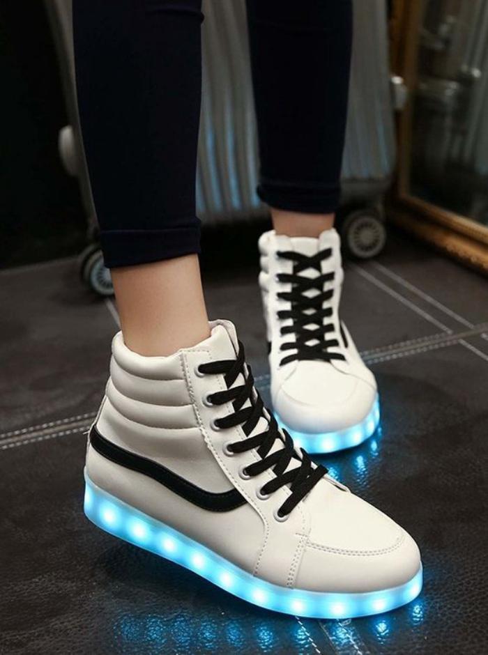 chaussures-lumineuses-lacets-mode-originale-hommes-et-femmes