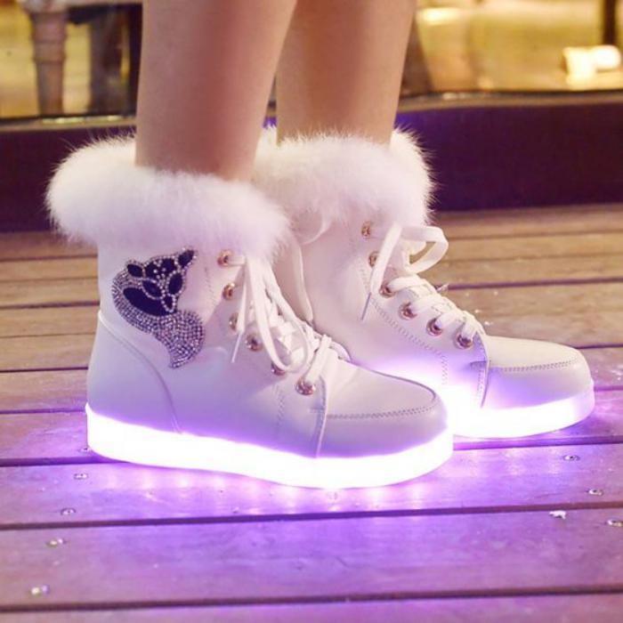 chaussures-lumineuses-modèle-chaussures-de-sport-femmes