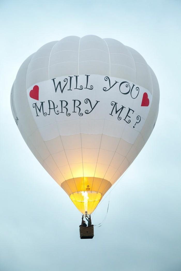 chouette-demande-de-fiançailles-insolite-ballon