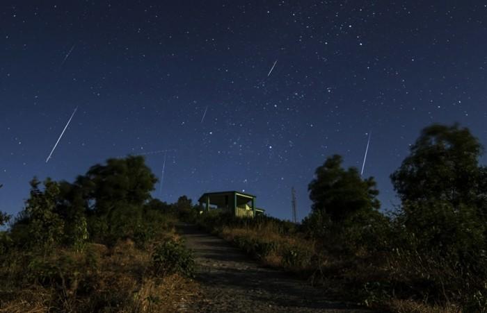 ciel-etoilé-voir-le-ciel-avec-étoile-brillante-image-une-idee