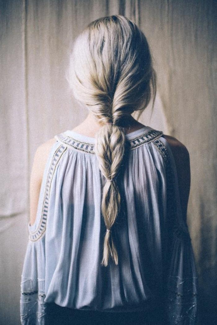coiffure-hippy-femme-cheveux-mi-courts-blonds-tendances-chez-les-coiffures