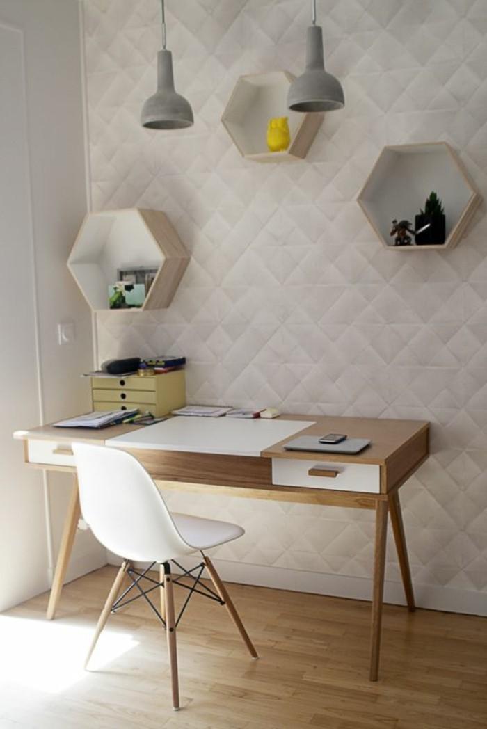 coin-de-travail-avec-revetement-mural-en-papier-peint-castorama-de-couleur-beige