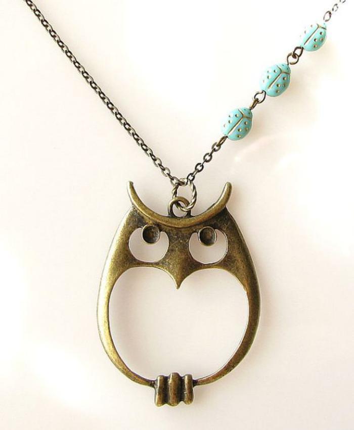 collier-hibou-sautoir-chouette-métallique