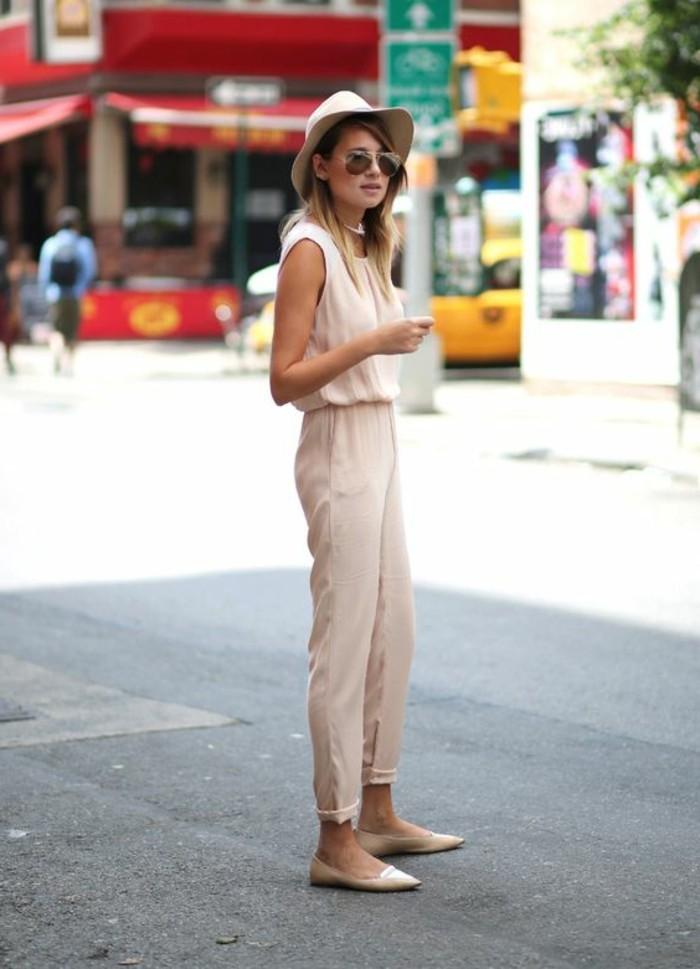combinaison-rose-pale-chaussures-elegants-roses-chapeau-beige-desig-femme