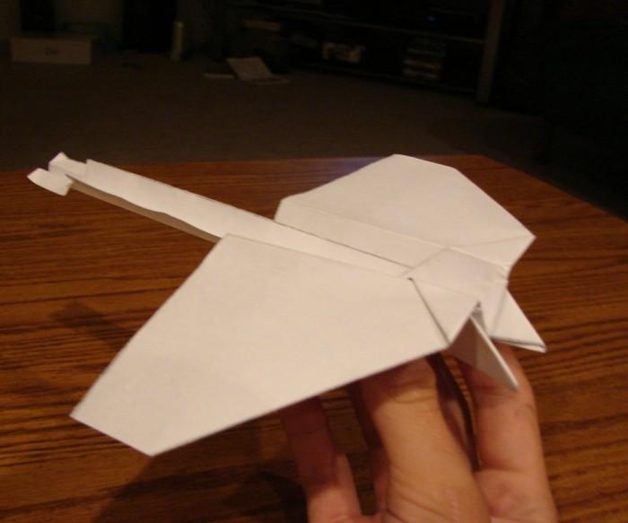 comment-faire-des-avions-en-papier-pliage-de-papier-avion-origami