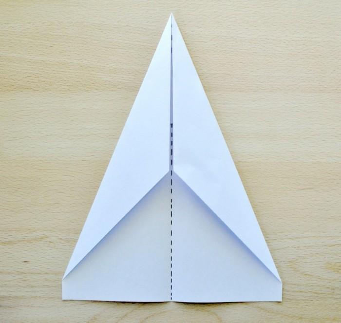 Avion papier pliage hg49 jornalagora - Comment faire un eventail en papier ...