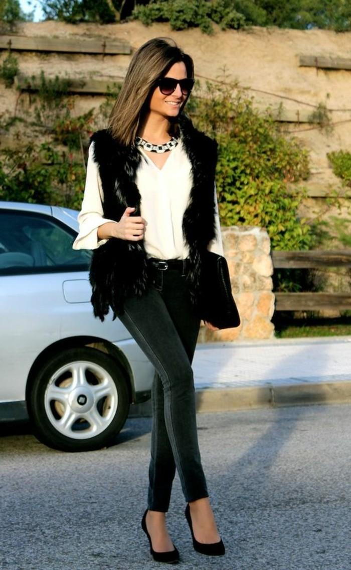 comment-porter-un-gilet-fourrure-noir-femme-elegante-denim-gris-slim
