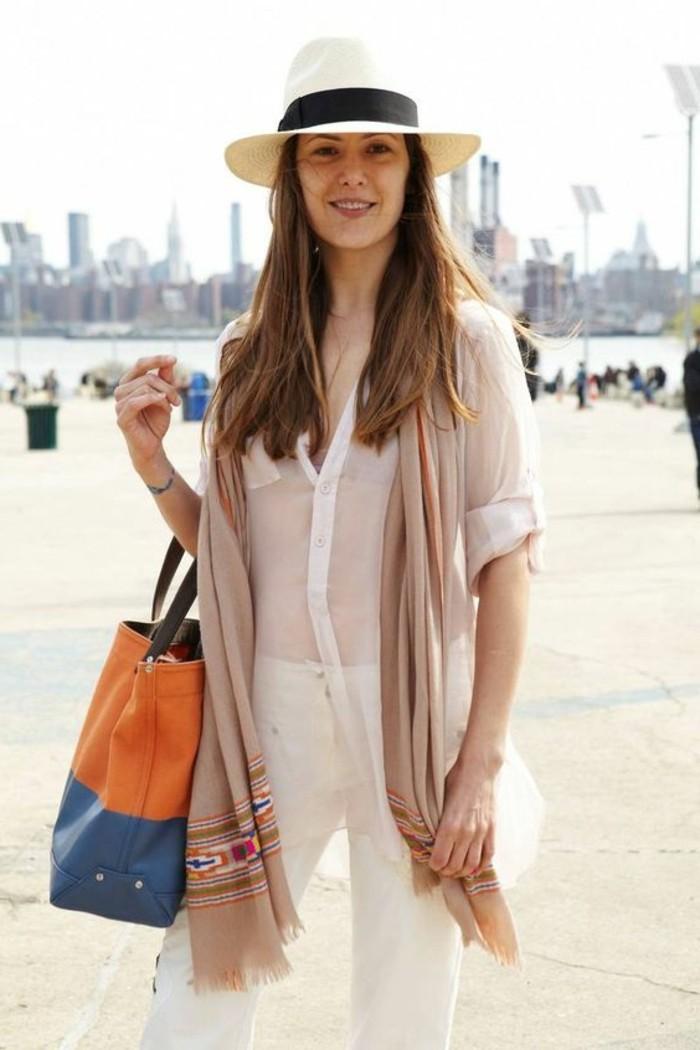 comment-porter-une-écharpe-été-echarpe-beige-femme-foulard-comment-porter-un-foulard