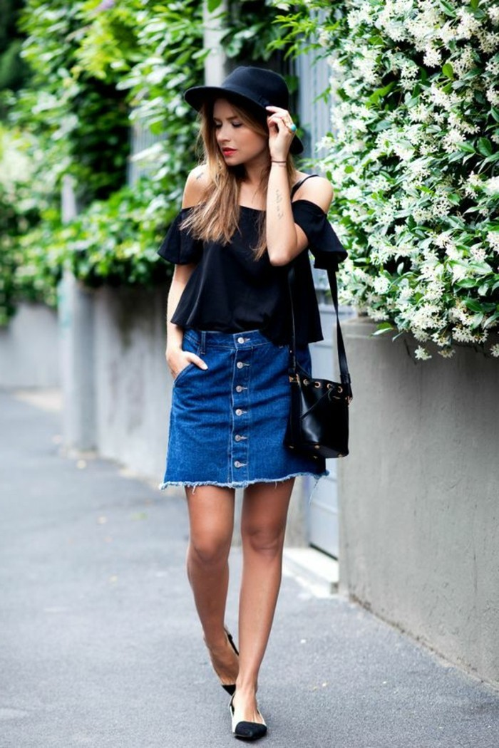 comment-porter-zara-jupe-denim-top-noir-chapeau-noir-tendances-de-la-mode