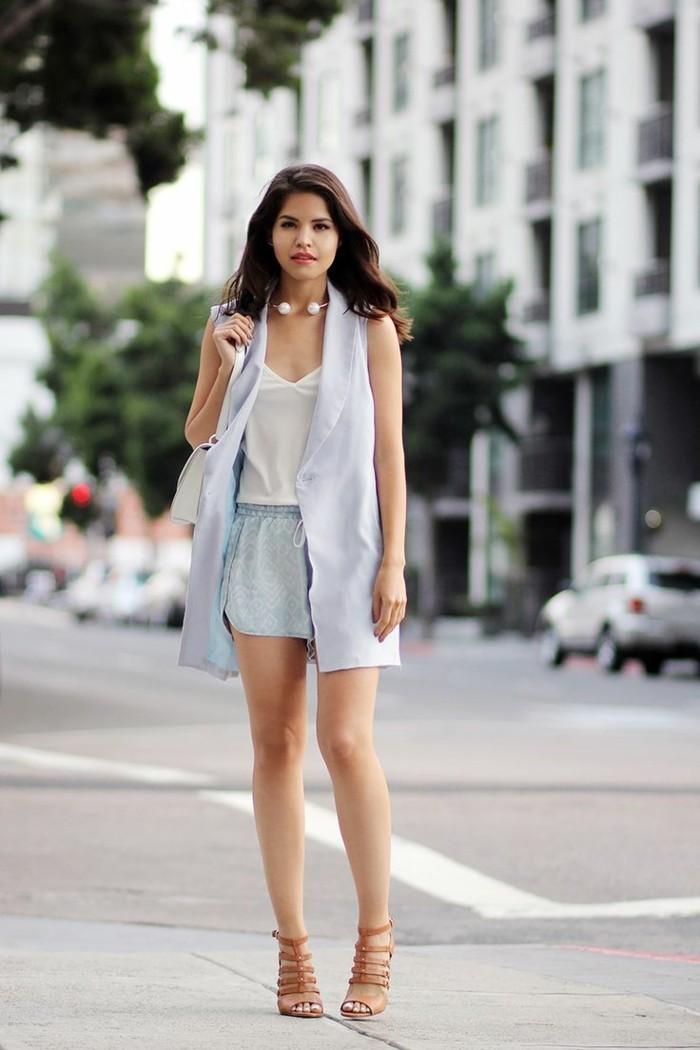 cool-tenue-veste-sans-manche-veste-legere-belle-femme