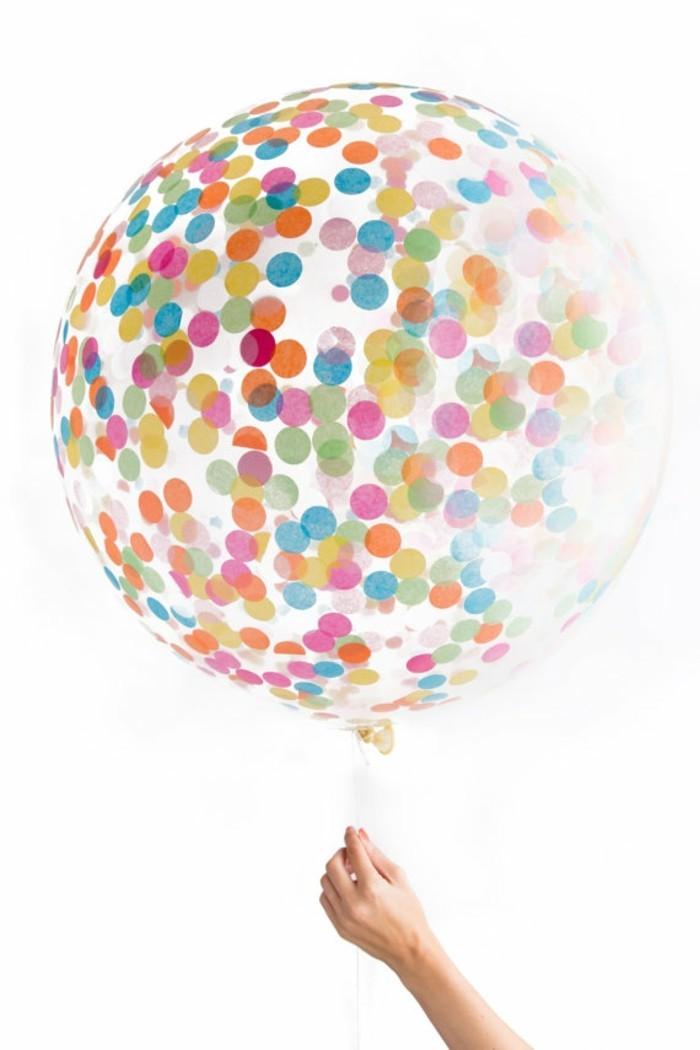 decoration-anniversaire-faite-par-le-geant-de-la-fete-superbe-baloon