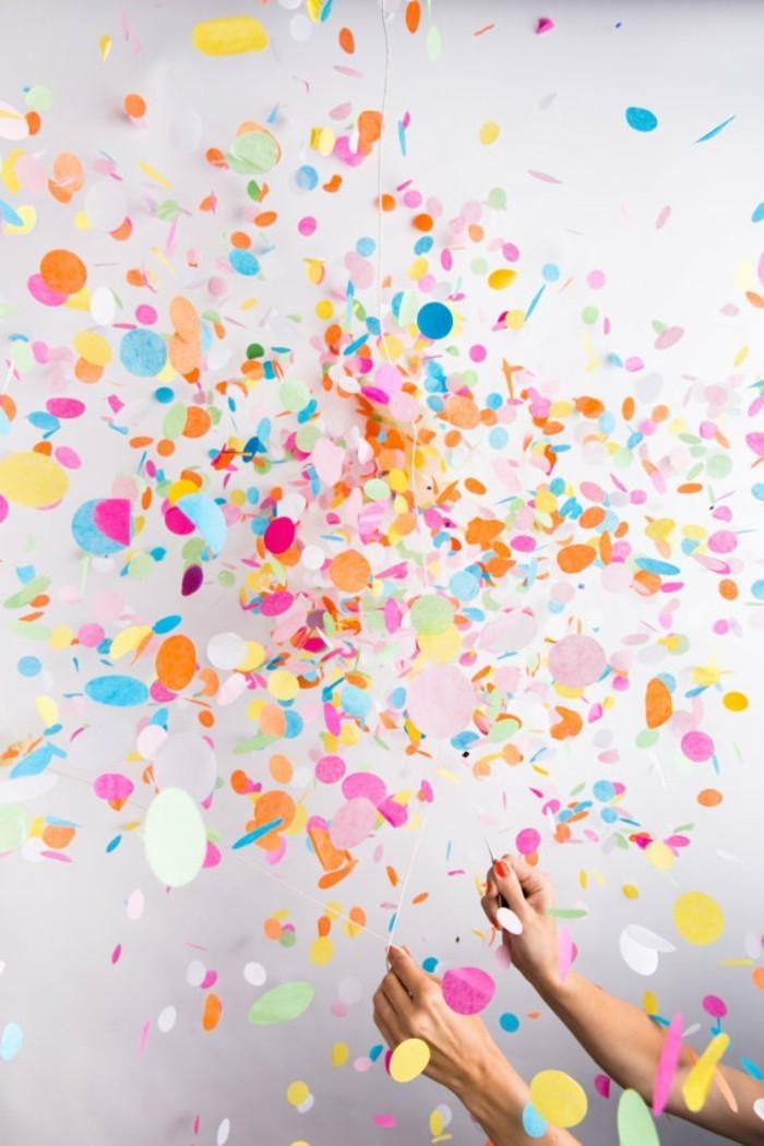 decoration-anniversaire-faite-par-le-geant-de-la-fete-tout-confetti