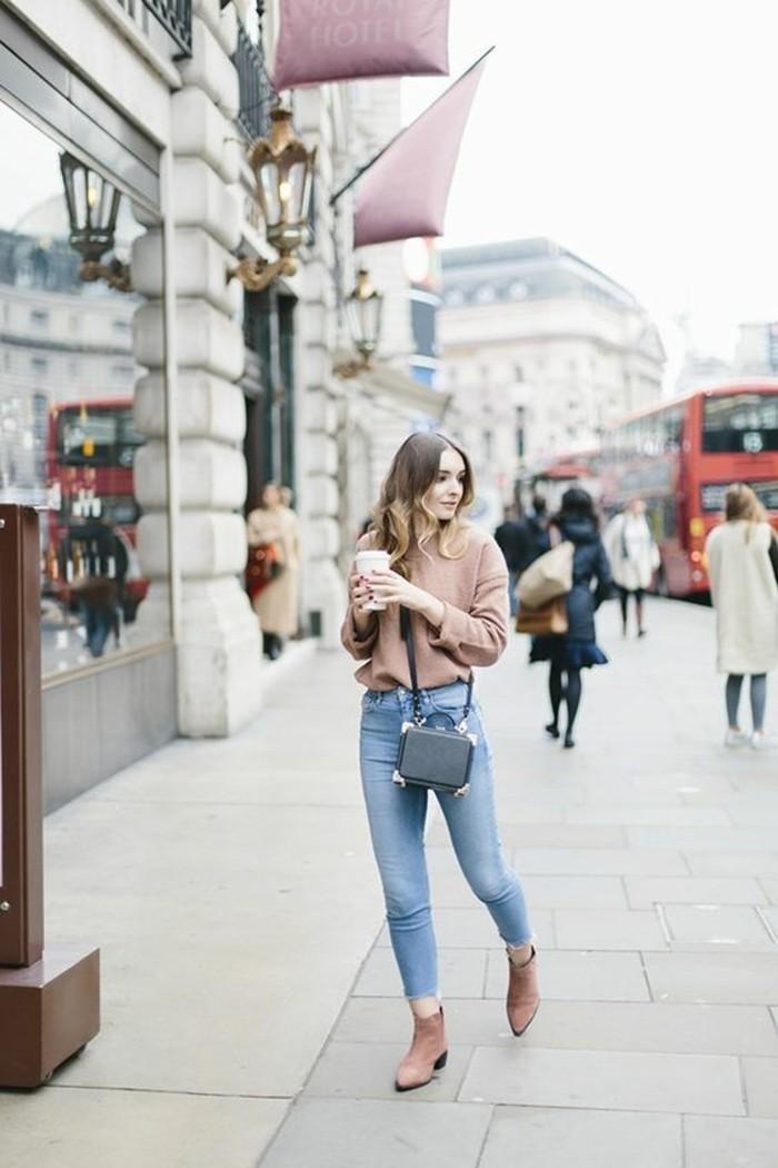 denim-bleu-clair-femme-blouse-rose-collection-printemps-été-2016-femme