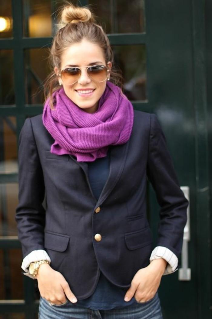 echarpe-pour-le-printemps-design-femme-veste-femme-noir-lunettes-de-soleil