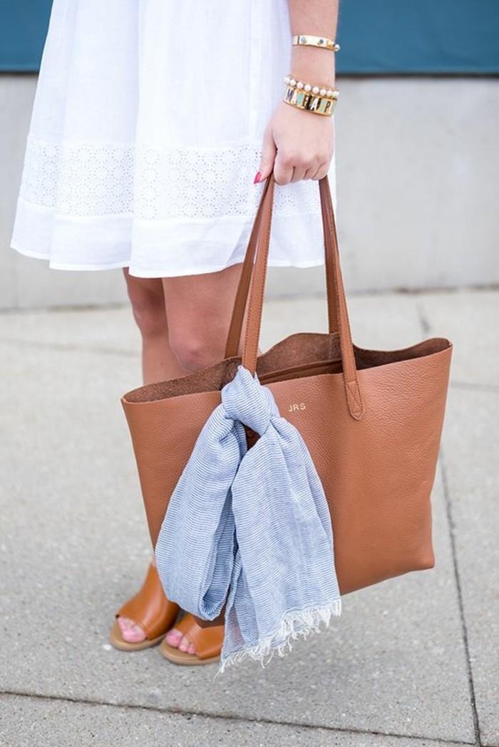echerpe-accessoire-pour-votre-sac-a-main-en-cuir-talons-hauts-robe-blanche-femme