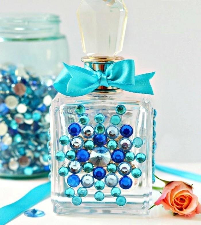 flacon-de-parfum-aquamarine-noeud-resized