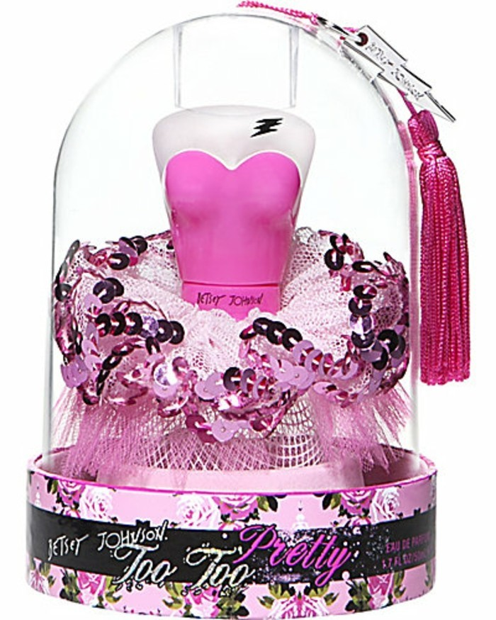 flacon-de-parfum-buste-de-femme-au-bustier-rose-resized