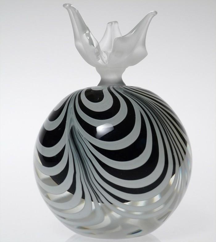 flacon-de-parfum-classe-zebre-resized
