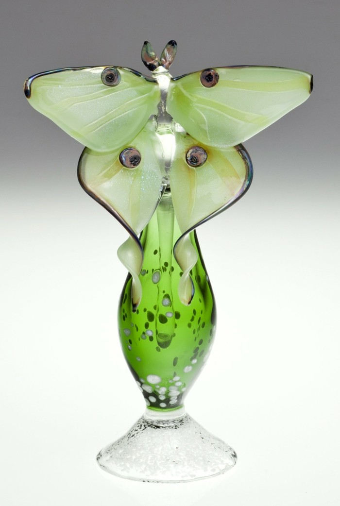 flacon-de-parfum-vert-frais-printannier-resized