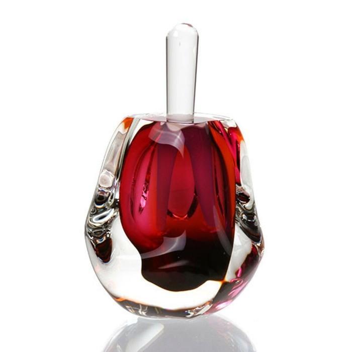flacon-parfum-rouge-fatal-resized