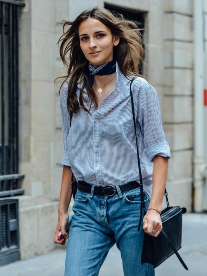 foulard-femme-chemise-femme-denim-bleu-clair-femme-foulard-hotesse-de-l-air