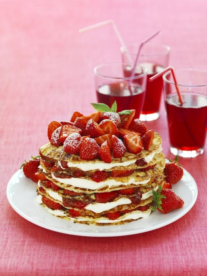 gateau-de-crepe-au-nutella-recette-gateau-originale-fraises
