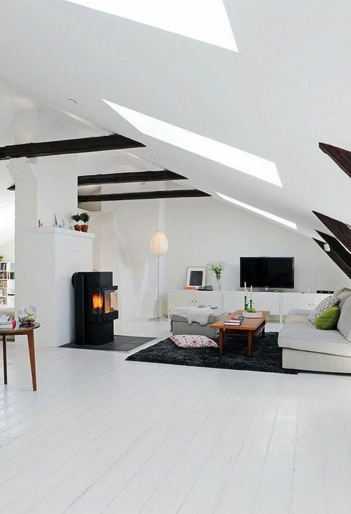 grand-salon-sous-pente-chambre-mansardée-chambres-dans-les-combles-sol-en-planchers