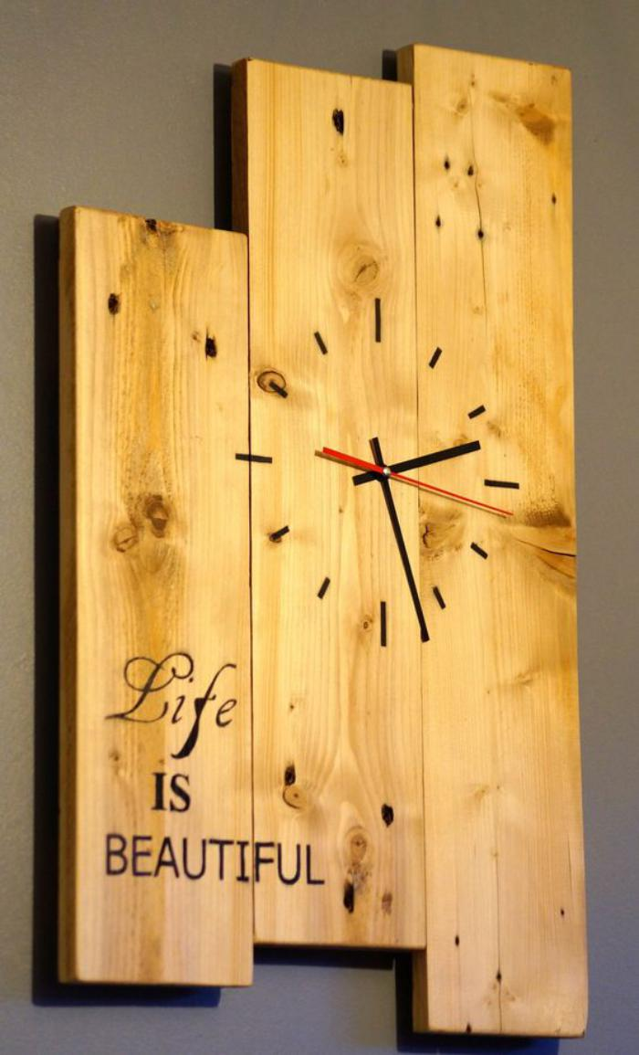horloge murale en bois. Black Bedroom Furniture Sets. Home Design Ideas