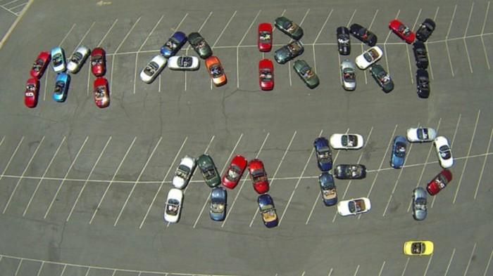 idée-demande-en-mariage-originale-idée-amour-demande-avec-voitures