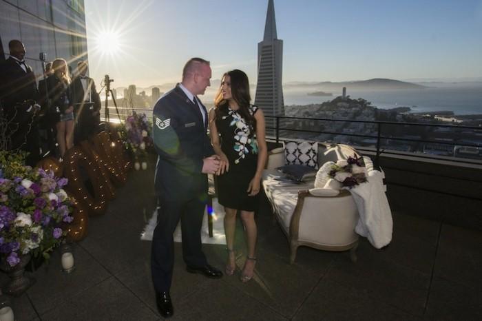 jeste-romantique-demande-acte-de-mariage-balcon