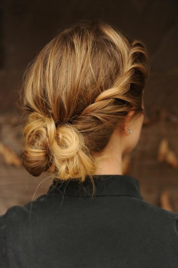 joli-chignon-romantique-cheveux-blonds-tendance-de-la-mode