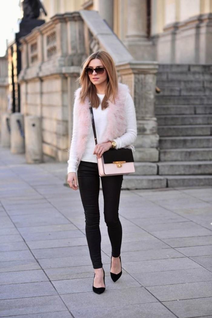 joli-gilet-fourrure-rose-denim-slim-noir-talons-hauts-noirs-femme-mode