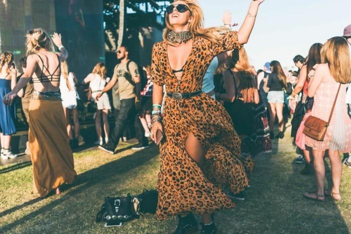 jolie-coachell-bands-tenue-femme-célébre-2016