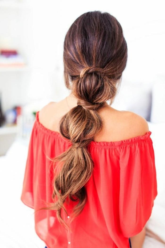 jolie-coiffure-elegante-cheveux-longs-femme-tendances-tutoriel-coiffure-cheveux-longs-femme