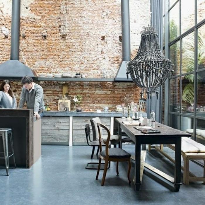 jolie-cuisine-decoration-murale-en-pierres-sol-en-lino-gris
